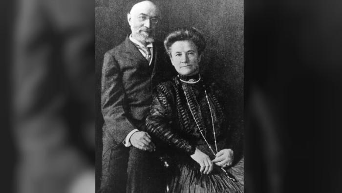 Isidor dan Ida Straus (Public Domain)
