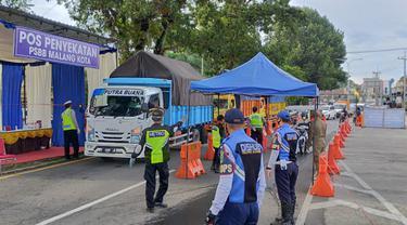 Ribuan Kendaraan Tidak Lolos Pemeriksaan Pos Pengamanan PSBB di Malang
