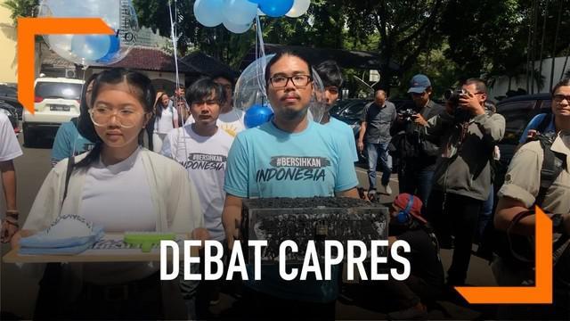 Gerakan #BersihkanIndonesia menitipkan pertanyaan untuk Debat Capres ke-2. Mereka ingin capres dan cawapres berkomitmen mengembengkan energi bersih dan terbarukan.