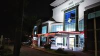 Suasana RSUD Syamrabu Bangkalan usai merebaknya isu warga Bangkalan terjangkit Corona pada jumat malam, 13 Maret 2020.