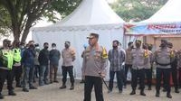 AKBP Sigit Hariyono, Kapolres Cilegon Usai Apel Pengamanan Objek Wisata Di Pantai Anyer. (Dokumentasi Polres Cilegon).