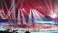 Seluruh kontingen Asian Games 2018 kembali menjalani defile pada closing ceremony di Stadion Gelora Bung Karno, Senayan, Jakarta, Minggu (2/9/2018) malam WIB. (Bola.com/Wiwig Prayugi)