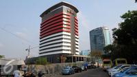 Tampilan samping gedung Komisi Pemberantasan Korupsi yang baru di Jl Gembira, Guntur, Jakarta, Selasa (13/10/2015). Gedung yang dibangun sejak 2013 lalu memiliki 16 lantai dengan dua basement. (Liputan6.com/Helmi Fithriansyah)