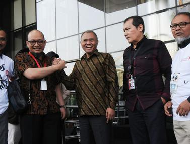 Salam Komando Novel Baswedan dan Pimpinan KPK di Hari Pertama Ngantor