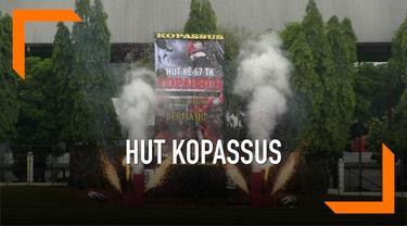 Prabowo Subianto menghadiri acara HUT Kopassus di Jakarta. Nampak hadir pula mantan Panglima TNI Gatot Nurmantyo.