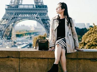 Eriska Rein memang lebih sering berpenampilan kasual saat berlibur. Bahkan, wanita kelahiran 3 Juni 1994 ini sering menggunakan warna-warna pastel. (Liputan6.com/IG/@eriskarein)