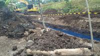 Pipa Pertamina Bocor di Desa Tarisi, Kecamatan Wanareja, Cilacap, Jawa Tengah. (Foto: Liputan6.com/Trantib Kec. Wanareja/Muhamad Ridlo)