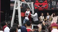 Salah satu artis pemain sinetron Anak Langit, Stefan William saat meet & greet dalam acara Vidio Fair 2.0 di Gandaria City Mall, Jakarta, Sabtu (3/11). Vidio Fair 2.0 kali ini mengambil tema One Stop Event You Can Get. (Liputan6.com/Herman Zakharia)