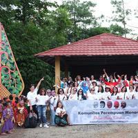 Tak sekadar berwisata, Komunitas Perempuan Menari juga bertujuan melestarikan budaya dengan belajar tari. (Sumber foto: Komunitas Perempuan Menari)
