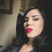 Fokus dengan hal lain, membuat Kat Von D harus undur diri dari Kat Von D Beauty (Foto: Kat Von D/ Instagram)