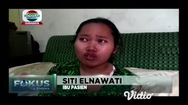 Seorang anak berusia 5 tahun asal Tulungagung diduga menderita tumor mata, mata bocah malang tersebut bengkak dan mengalami pembesaran sebelumnya mata sang anak hanya terkena debu.