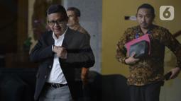 Sekjen PDIP, Hasto Kristiyanto usai menjalani pemeriksaan oleh penyidik di Gedung KPK, Jakarta, Jumat (24/1/2020). Hasto diperiksa sebagai saksi untuk tersangka Saeful merupakan staf Hasto terkait kasus suap penetapan pergantian antar waktu (PAW) anggota DPR 2019-2024. (merdeka.com/Dwi Narwoko)