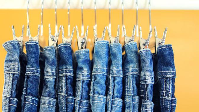 Trik Air Hangat Cara Cepat Melebarkan Celana Jeans Yang Ketat Beauty Fimela Com