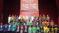 Seremoni penyerahan beasiswa yang berlangsung di Lotte Shopping Avenue, Jakarta, Selasa (21/11/2018). (Liputan6.com/Yulia Lisnawati)