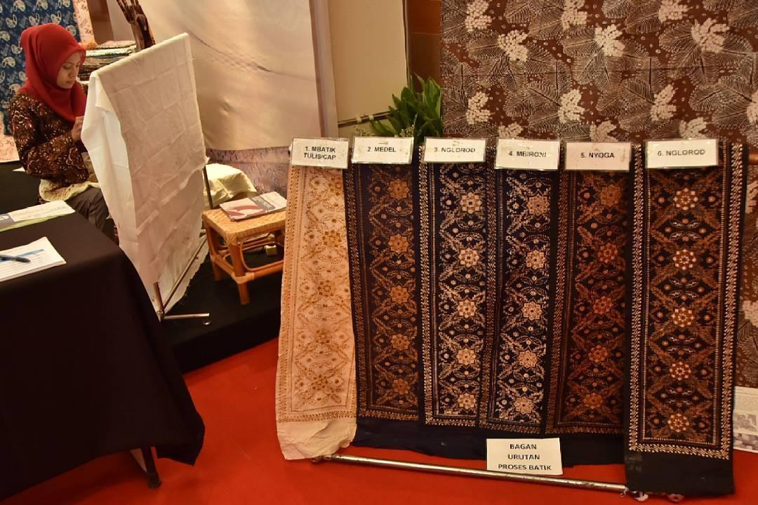 Gelar Batik Nusantara yang mendukung pengrajin batik. (sumber foto: @gelarbatiknusantara/instagram)