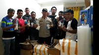 7.910 butir narkoba ditemukan sebuah laboratorium sebuah sekolah di Jakarta Barat. (Ady Anugrahadi/Liputan6.com)