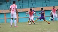 Laga uji coba antara PS TNI kontra klub Liga Primer Malaysia, UiTM, di Stadion Mini Persikabo, Cibinong, Minggu (7/1/2018). PS TNI menang tipis 1-0 dalam pertandingan tersebut. (Dok. PS TNI)