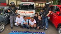 Pemaparan barang bukti ambulans yang digunakan dalam aksi demonstrasi di Jakarta, Selasa (22/5/2019) (Istimewa)