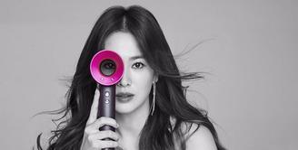 Baru saja merayakan hari jadinya ke-35 tahun, Song Hye Kyo mendapat ucapan dank ado spesial. Ia pun mendapat doa agar segera menikah dengan lawan mainnya, Song Joong Ki. (Instagram/kyo1122)