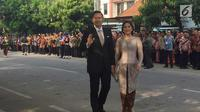 Agus Yudhoyono dan istri Annisa Pohan tiba untuk menghadiri prosesi pernikahan putri Presiden Joko Widodo, Kahiyang Ayu-Bobby Nasution di Graha Saba, Surakarta, Rabu (8/11). (Liputan6.com/ Lizsa Egeham)