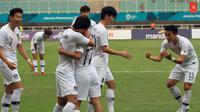 Timnas Korea Selatan U-23 selebrasi setelah mencetak gol ke gawang Vietnam pada laga semifinal Asian Games 2018 di Stadion Pakansari, Cibinong, Rabu (29/8/2018). (Bola.com/Dok. INASGOC)