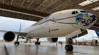 Garuda Indonesia kembali meluncurkan pesawat bermasker bermotif batik Tambal khas dari Yogyakarta (dok: Humas)