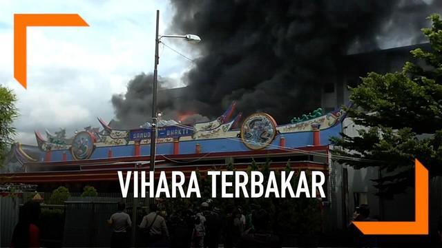 Saat perayaan Imlek berlangsung sebuah Vihara terbakar. Diduga kebakaran di Vihara Samedra Bakti akibat lilin yang digunakan untuk bersembauang. Tidak ada korban dalam peristiwa ini namun setengah bangunan Vihara terbakar