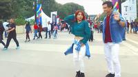 """Natya dan Rendy, penari Indonesia yang jadi Trending di YouTube karena menari dengan lagu """"Meraih Bintang"""" (YouTube/@stepbystepid)"""