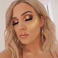 Makeup shimmer/emilyyorlando