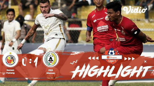 Pertandingan #ShopeeLiga1, antara #SemenPadang vs #PSSSleman yang berlangsung di Stadion Haji Agus Salim, Kota Padang Sumatra Bara...