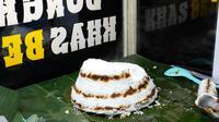 Kue dongkal, kuliner khas Jakarta. (Liputan6.com/Asnida Riani)