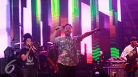 Shaggydog saat tampil di acara MocoSik di Yogyakarta, Senin (13/2/2016) malam. (Rizky Aditya Saputra/Liputan6.com)