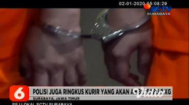 Petugas BNNP Jatim, menggerebek sebuah kamar hotel di kawasan Surabaya Selatan, yang ditempati kurir narkoba jaringan Malaysia.