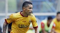 Dengan berubahanya status kewarganegaraan Beto, Sriwijaya FC mendapatkan keuntungan karena dapat menambah slot pemain asing. (Bola.com/M Iqbal Ichsan)