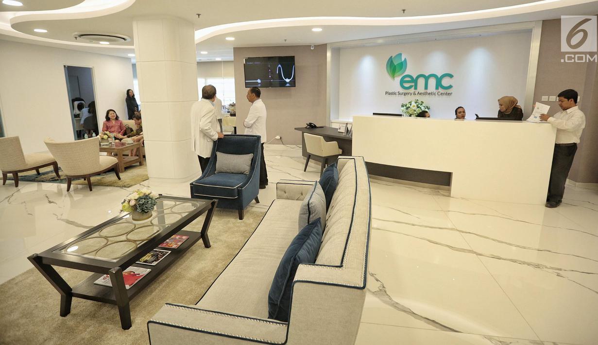 Suasana RS EMC Poli Klinik Plastic Surgery & Aesthetic Center, Sentul, Jawa Barat, Senin (3/9). Poli klinik ini diharapkan dapat memenuhi kebutuhan masyarakat, diantaranya Invasive: Body Contouring (Breast and Body Surgery). (Liputan6.com/Faizal Fanani)