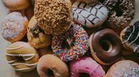 Donat Kentang (Sumber: Photo by Rod Long on Unsplash)