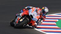 Pembalap Ducati Corse, Andrea Dovizioso pada latihan bebas MotoGP Argentina 2018. (Twitter/Ducati Motor)