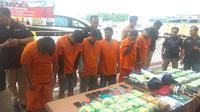 Polisi Tangkap 6 WN Malaysia Selundupkan Sabu ke Jakarta Pakai Kapal Pesiar (Nur Habibie/Merdeka)