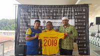 Bhayangkara FC memperpanjang kerja sama dengan perusahaan jasa boga (katering) Nendia Primarasa di Stadion Madya, Kompleks Gelora Bung Karno, Selasa (2/7/2019). (Bola.com/Zulfirdaus Harahap)