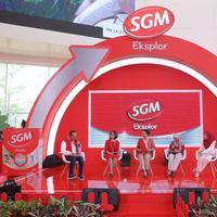 Dalam rangka memperingati Hari Anak Nasional 2018, SGM Eksplor berikan beasiswa pendidikan senilai Rp1 miliar. (Bintang.com/Daniel Kampua)