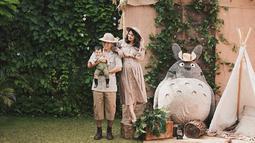 Putri Titian dan Junior kerap mengunggah potret keharmonisan rumah tangganya melalui media sosial. Mereka juga tak lupa mengunggah tingkah lucu dari Lori. (Foto: instagram.com/juniorliem)