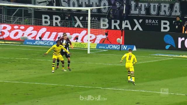 Berita Video 5 gol spektakuler Liga Jerman pada pekan ke-23, pemain Borussia Dortmund, Marco Reus berada di urutan pertama.This video presented by BallBall.