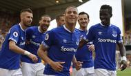 Richarlison mencetak dua gol pada laga resmi pertamanya untuk Everton. (doc. Everton FC)