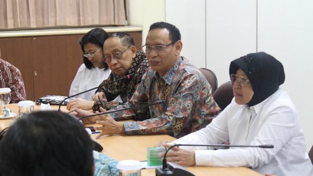 Cegah Gelombang Dua COVID-19, Risma Ingatkan Warga Surabaya Disiplin Protokol Kesehatan