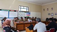 Rapat koordinasi antara Baznas, MUI dan UPT Zakat Pemda Garut (Liputan6.com/Jayadi Supriadin)