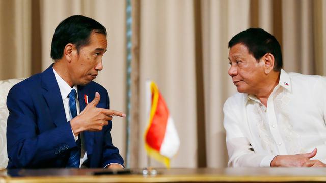Duterte Sambut Jokowi di Istana Malacanang-Ap-20170428