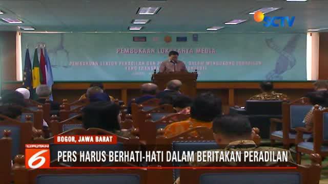 Praktisi jurnalisme di Indonesia diminta lebih berhati-hati dalam memberitakan masalah peradilan, terutama kasus yang melibatkan anak-anak dan kejahatan seksual.