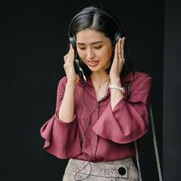 ilustrasi mendengarkan musik/Photo by mentatdgt from Pexels