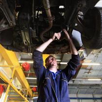 Dari sekian banyak perawatan mobil, beberapa di antaranya terbilang mahal (Foto: http://wallstcheatsheet.com/)