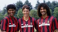 Trio legenda AC Milan: Dari kiri ke kanan: Frank Rijkaard, Marco van Basten, Ruud Gullit (AC Milan).